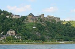 在莱茵河的城堡 免版税库存照片