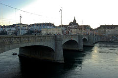 在莱茵河的桥梁在12月在巴塞尔 库存照片