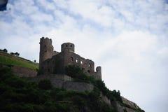 在莱茵河谷的城堡 免版税库存照片