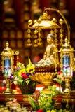 在菩萨牙遗物寺庙和博物馆里面的菩萨雕象 库存照片