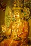在菩萨牙遗物寺庙和博物馆里面的菩萨雕象 免版税库存照片