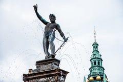 在菲特列堡城堡的海王星喷泉 免版税图库摄影