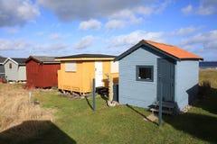 在菲英岛海岛,丹麦上的田园诗海滩小屋 库存照片