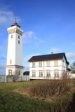 在菲英岛海岛,丹麦上的Helnaes灯塔 免版税图库摄影