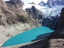 在菲茨罗伊峰下的湖 库存照片