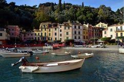 在菲诺港港口,利古里亚,意大利的看法 免版税图库摄影