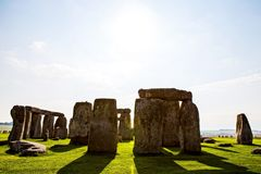在萨利飞机的巨石阵纪念碑 免版税库存图片