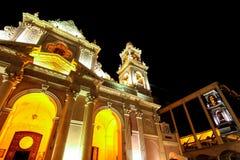 在萨尔塔,阿根廷大教堂大教堂的看法在晚上 库存图片
