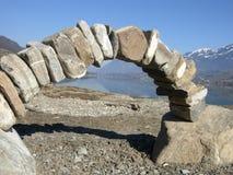在萨尔嫩,瑞士附近的石弧 库存照片