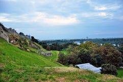 在萨瓦河的贝尔格莱德旅游口岸有Kalemegdan堡垒的和 库存照片