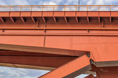 在萨瓦河建筑细节-贝尔格莱德-塞尔维亚的Gazela桥梁 免版税库存照片