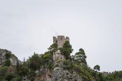 在萨莱诺省,褶皱藻属,阿马尔菲海岸,Costiera Amalfitana,意大利的区域的托尔dello Ziro 库存照片