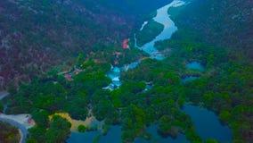 在著名应征欧洲旅行目的地的空中全景,在亚得里亚海的海岸,克罗地亚的杜布罗夫尼克都市风景 免版税库存图片