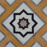 在著名清真寺Taj Mahal,印度的大理石雕刻 免版税库存照片