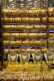 在著名金黄souk的金子在迪拜 免版税库存照片