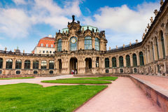在著名Zwinger宫殿& x28的早晨; Der Dresdner Zwinger& x29;艺术胆汁 库存图片