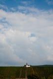 在葡萄园的Chappel在河的特里滕海姆附近 免版税图库摄影