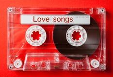 在葡萄酒卡型盒式录音机的爱情歌曲 图库摄影