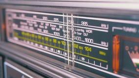 在葡萄酒接收器的等级的调整的模式无线电拨号盘频率 股票录像