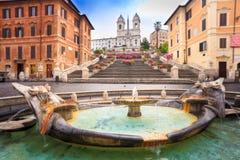 在葡萄酒样式弄脏的西班牙步,罗马,意大利,欧洲 免版税库存照片