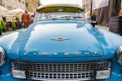 在葡萄酒汽车集会的经典老汽车在克拉科夫,波兰 免版税库存图片