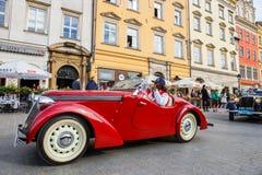 在葡萄酒汽车集会的经典老汽车在克拉科夫,波兰 库存照片