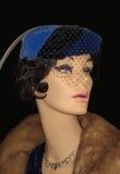 在葡萄酒礼服的妇女时装模特 库存图片