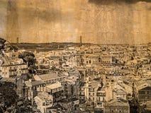 在葡萄酒神色的明信片有里斯本一张鸟瞰图,葡萄牙的首都 库存图片