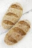 在葡萄酒背景的新鲜面包 免版税图库摄影