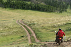 在蒙古的山轨道 库存照片