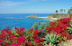 在蒙太奇手段,拉古纳海滩附近的金银岛 免版税库存图片