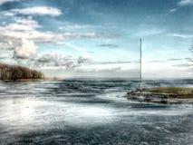 在蒙特利尔附近,加拿大 丢失在风 河 免版税库存照片