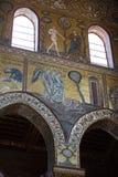 在蒙雷阿莱大教堂里面的基督壁画在巴勒莫附近 免版税库存图片