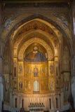 在蒙雷阿莱大教堂里面的基督壁画在巴勒莫附近 免版税库存照片