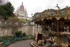 在蒙马特,巴黎的葡萄酒转盘 库存图片