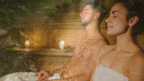 在蒸汽浴录影的夫妇 股票录像