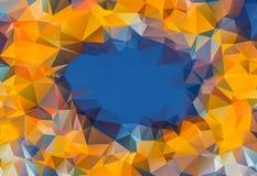 在蓝天低多角形三角样式背景花的橙色太阳, 免版税库存图片