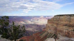 在蓝天的云彩在大峡谷,亚利桑那上 免版税库存照片
