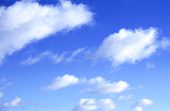 在蓝天的云彩 库存图片