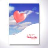在蓝天的华伦泰桃红色心形的气球 库存照片