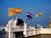 在蓝天的泰国旗子菩萨旗子 库存照片