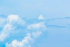 在蓝天的空气云彩 库存图片