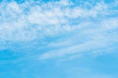 在蓝天的空气云彩 库存照片