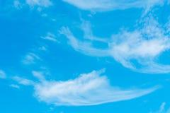 在蓝天的空气云彩 图库摄影