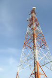在蓝天的通讯台 库存照片