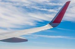 在天空的飞机翼 图库摄影