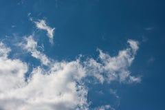 在蓝天的Cloudscape 库存图片