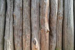 在蓝天背景的木木栅  免版税图库摄影
