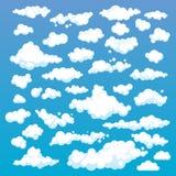 在蓝天背景设置的动画片云彩 套滑稽的动画片云彩、烟样式和雾象,填装的您的天空场面 免版税库存照片