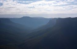 在蓝山山脉大峡谷步行监视 库存照片